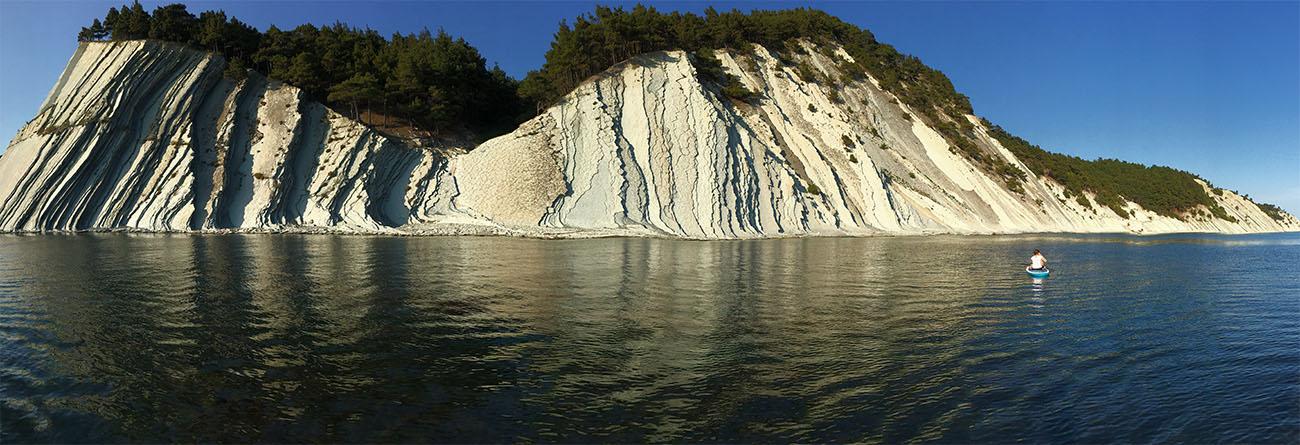 Пляжи Голубой бухты в Геленджике